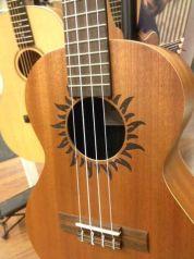 Baton Rouge V2-T Sun ukulele (tenori)