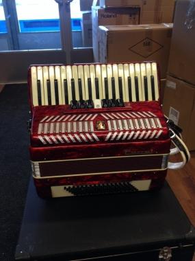 Parrot 3-äänikertainen harmonikka, käytetty