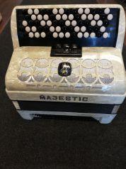 Majestic 2-äänikertainen harmonikka