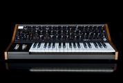 Moog Sub 37 analoginen syntetisaattori
