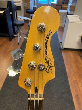 Squier presicion bass käytetty