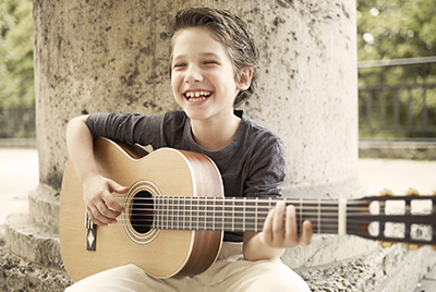 LaMancha modernit klassiset kitarat lapsille ja aikuisille